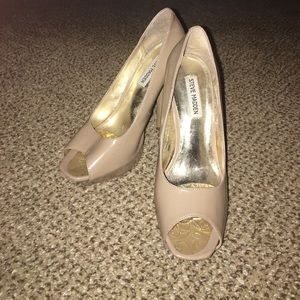 Pre-loved Nude Peep Toe Patent Renee Heels!