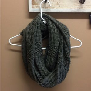 Infinity scarf BDG