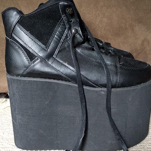 7521c6d2429 YRU Qozmo Sky-Hi Platform Sneakers Size 10. M 59ac457a522b45b95106a25d