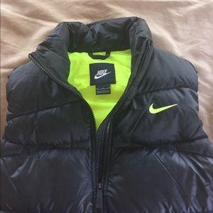 e2932a49f77f Nike Jackets   Coats - Women s Nike Alliance 550 Fill Down Puffer Vest