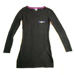Bongo long sleeve tunic sweater w/ jeweled pocket
