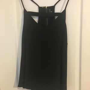 Tops - Cage style strappy sexy tank top. EUC 3x.