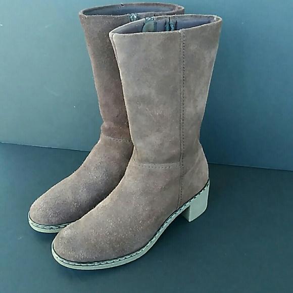 f46b41bfe13c Dockers Shoes - Original Vintage Dockers women s suede boot