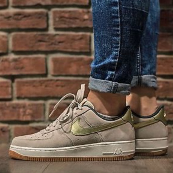 uk availability b5773 b9bf4 NWT Nike Air Force 1 07 PRM Suede WMNS