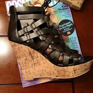 *Guess Derrby wedges