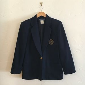 Vintage Navy Blazer w Embroidered Crest