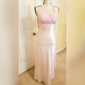 Dresses & Skirts - Pink evening gown