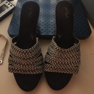 Hush Puppies Soft Style wedges. Sz 9.5