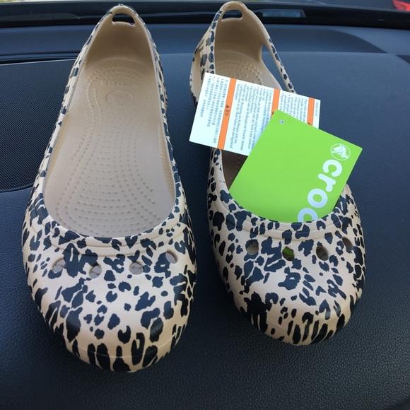 b70133bbcfed5b Crocs Leopard Women s Kadee Graphic Flat final  🙀