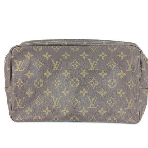 2f4ff6926a19 Louis Vuitton Handbags - Louis Vuitton Monogram Trousse Toilette 28 Pouch