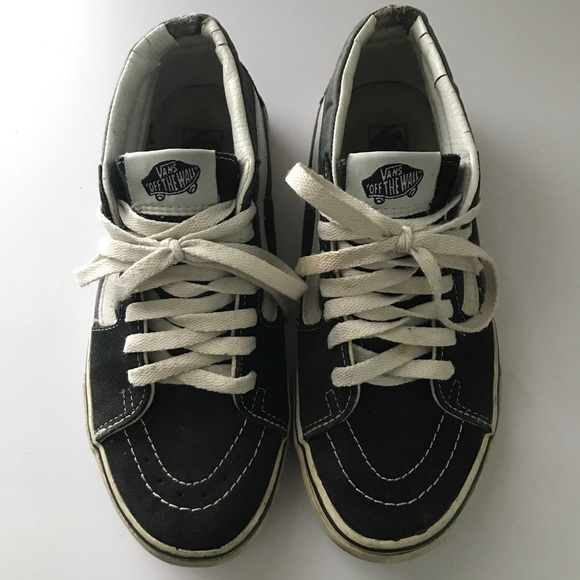 7a3c94da41 Vans Navy Blue Mid Cab Sneakers. M 59ac75666a5830e05207d79c