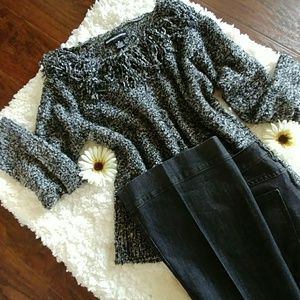 Sweaters - ❤Fringe sweater