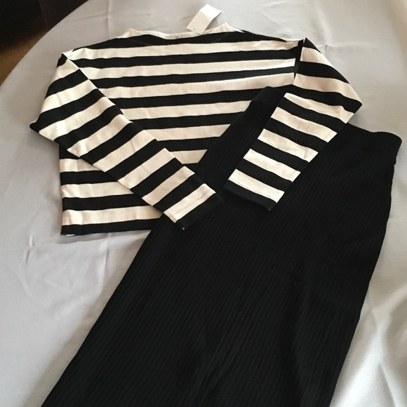 827ea3955f0a93 Striped Cropped Mock Neck Long Sleeve T-Shirt