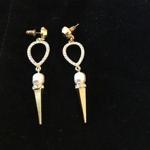 Jewelry - Stella and dot earings
