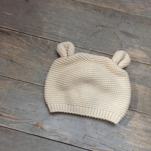 386e09f54ca GAP Other - 0-3 months Baby Gap boy girl Bear Hat knit cream