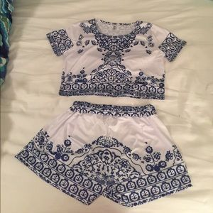 Blue and white cotton blend shorts set