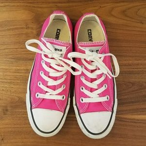 Bright Pink Converse Chuck Taylors sz 6