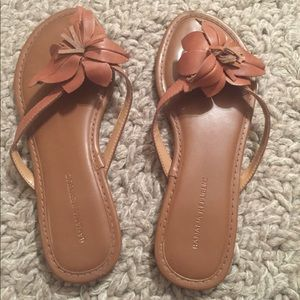 Banana Republic Floral Tan Slippers