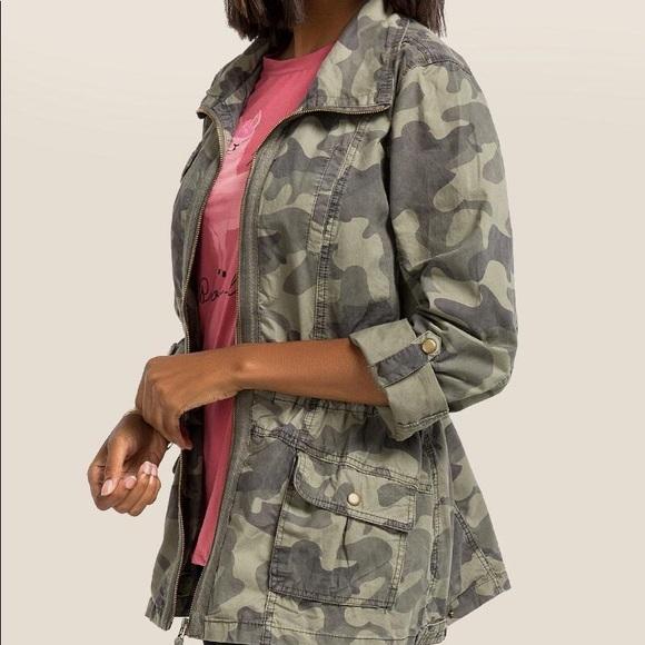 044e3dc4e2d33 Francesca's Collections Jackets & Coats   Francesca Camo Jacket ...