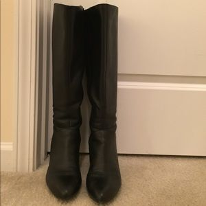 Naturalized widecalf boots