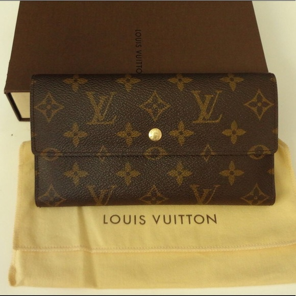 81912b8c8f23e Louis Vuitton Handbags - LAST PRICE! Authentic LV wallet