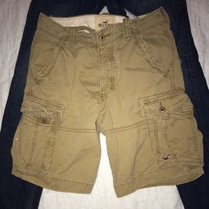 Hollister cargo shorts size 32. Perfect condition