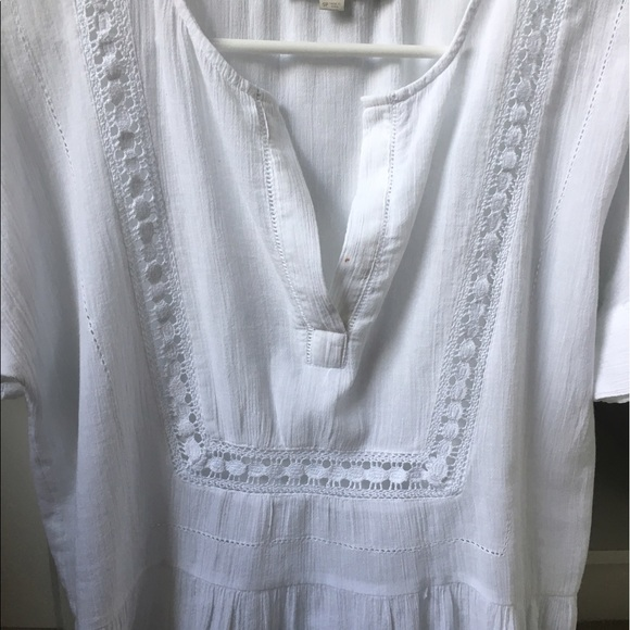 LOFT Tops - LOFT Embroidered White Top