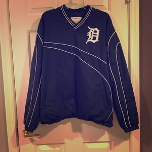 Detroit tigers pull over jacket