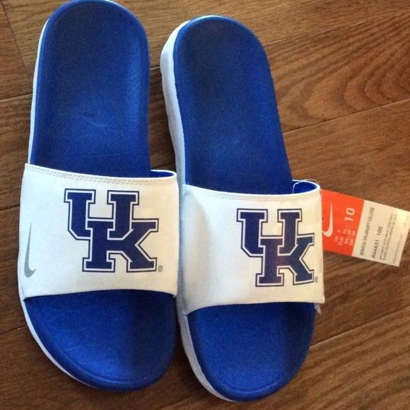 93c9971af1b6 Kentucky Mens Nike Benassi Solarsoft College Slide