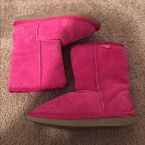 $13 kids emu wool and suede bronte boot