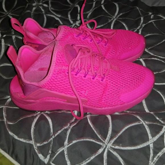 6ddebfbf9427 Nike huaraches ultra run! M 59acde9441b4e0ce8f000226