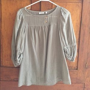 Taupe colored top, perfect for fall 🍂🍁🍃