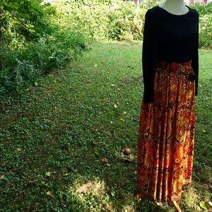 Dresses & Skirts - Vintage paisley long sleeve dress