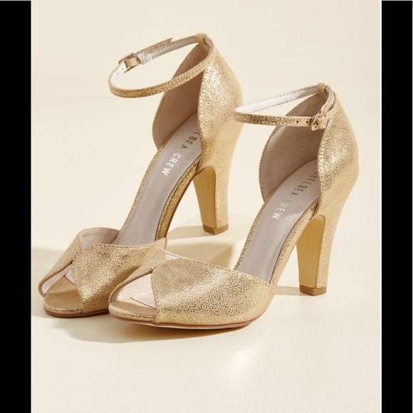 Modcloth Shoes Chelsea Crew Fine Dining Heel In Metallic Gold Poshmark