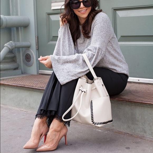 4f03bb53377 Zara White Bucket Bag. M_59ad7906620ff7d6a4016e1a