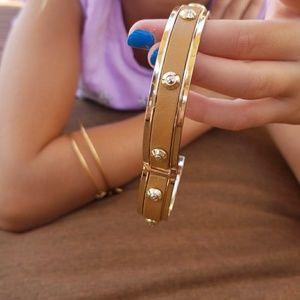 henri bendel Jewelry - Henri Bendel bangel bracelet $50