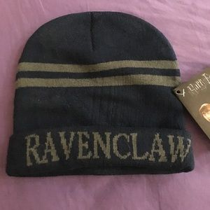 3409835f68a Hot Topic Accessories - Harry Potter Ravenclaw hat and scarf