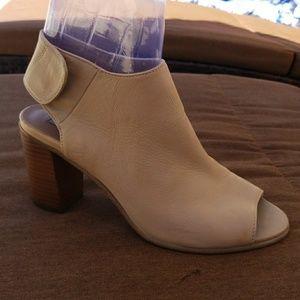 Steve madden sandal $40