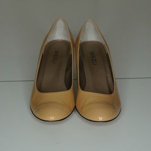 Tan Low Block Heeled Pump