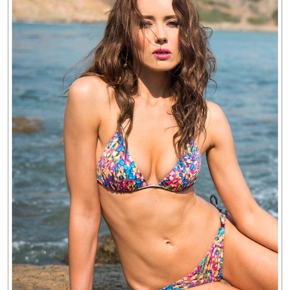 0b325eacde29 Voda Swim Envy Push Up Bikini Top 👙. M_59ada2b656b2d6db2d0242dc