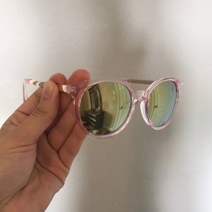 Accessories - NWOT sunglasses