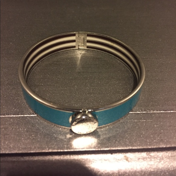 henri bendel Jewelry - Henri Bendel Bangle