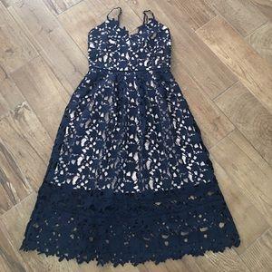 Dresses & Skirts - Size medium self portrait like dress