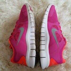 Nike Shoes | Free 50 Womens Size 7