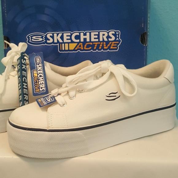 bc955ecb3aa Skechers platform sneaker.