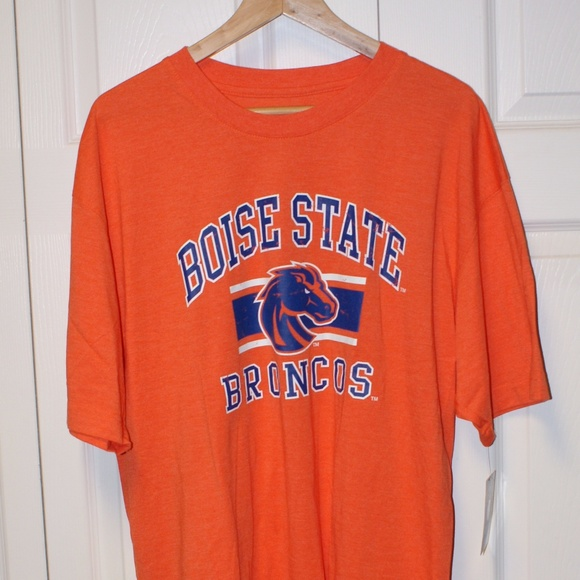 official photos efa4b ca3a6 Boise State Broncos t-shirt XL NWT