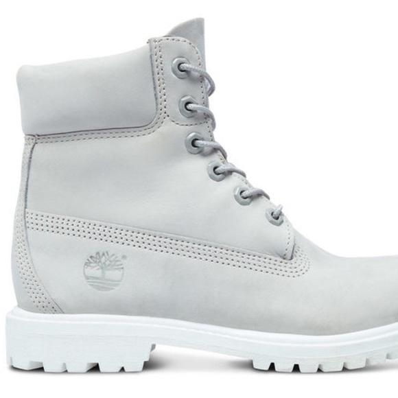 Light grey white Timberland Boots. M 59adb8f29c6fcf21360041b6 811fbccfcbad