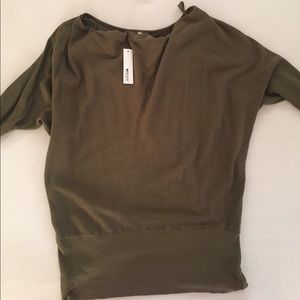 NWT LA Made 3/4 sleeve off the shoulder top