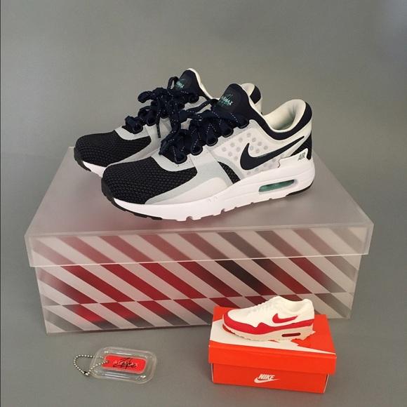 Nike Air Max Zero, w Collector Box & Items NWT