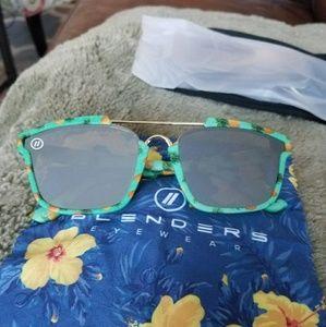 0b46f983dad Blenders Eyewear Accessories - Sale Nwot pineapple express Westbrook  sunglasses